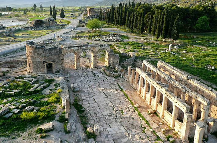 Denizli Hierapolis Örenyeri Pamukkale Su ve İnancı Kenti Hierapolis Telephos'un Karısı Hiera UNESCO Dünya Mirası Listesi'ndeki antik kent